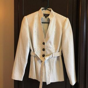 Signature Larry Levine white and black blazer
